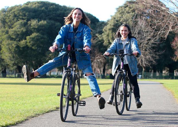 Carmen Stewart( 24) and her sister Teah (19) from Nova Scotia, Canada, in the Phoenix Park, Dublin. Photo: Damien Eagers