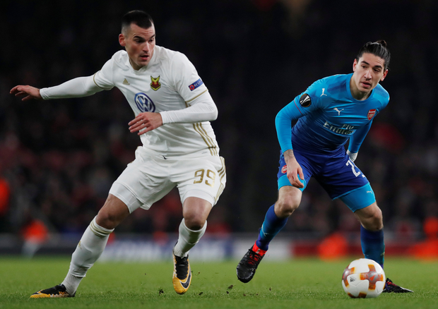 Arsenal's Hector Bellerin in action with Ostersunds FK's Dino Islamovic. Photo: Reuters