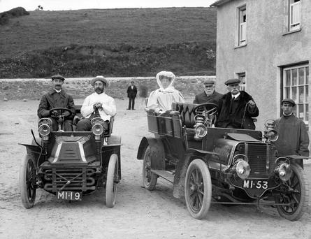 Helping hands: The few drivers still on the road during the war years because of fuel shortages were press ganged into ferrying the victims of the RMS Leinster tragedy to hospitals Photo: National Library of Ireland