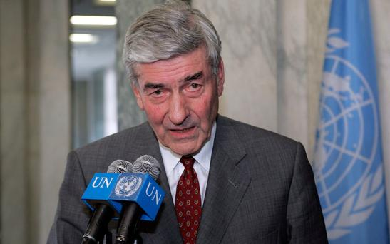 Ruud Lubbers announcing his resignation as UN High Commissioner for Refugees in 2005