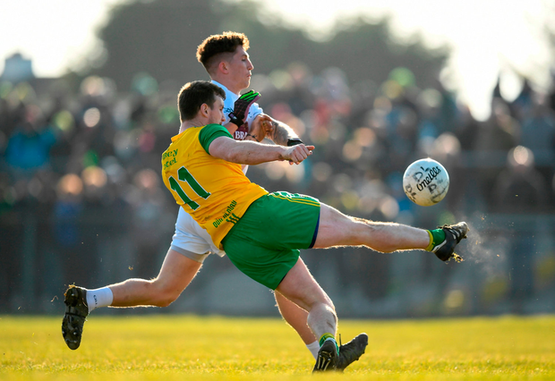 Leo McLoone of Donegal in action against David Slattery of Kildare during the Allianz Football League Division 1 Round 4 match between Donegal and Kildare at Fr Tierney Park in Ballyshannon, Co Donegal. Photo by Stephen McCarthy/Sportsfile