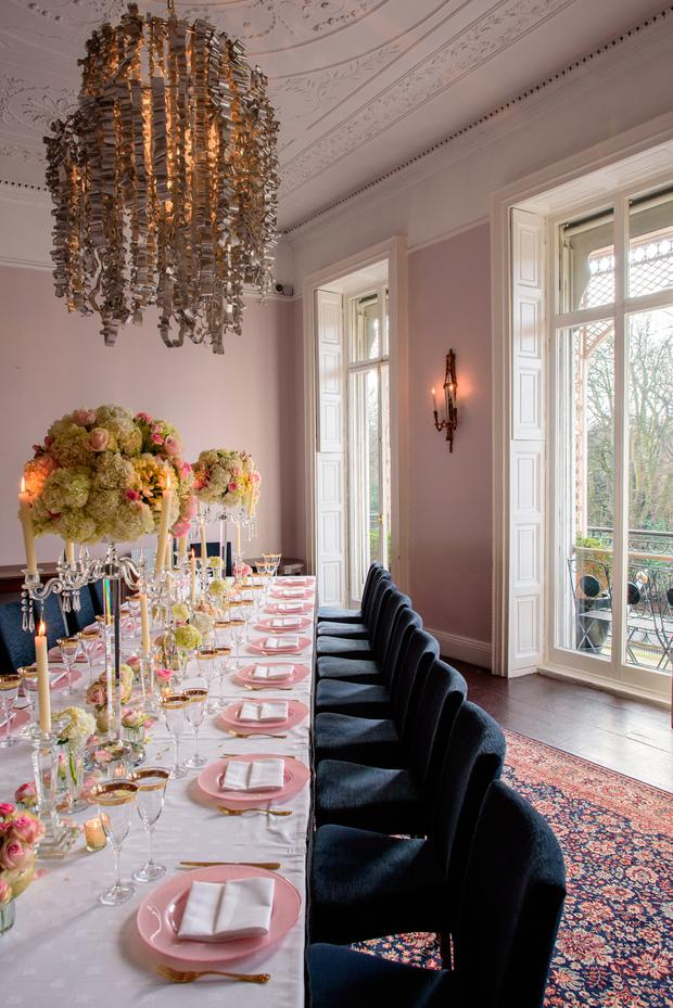 Luxury restaurant and boutique hotel Cliff Townhouse in Dublin will host a special viewing event on Sunday 7th October where couples are invited to meet with their wedding planner and view the venue's private dining room and aviator bar.