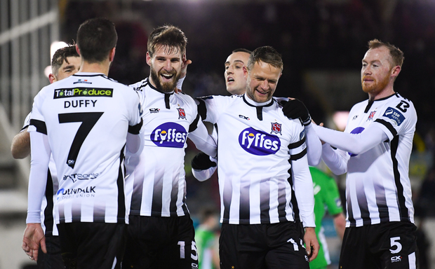 27 February 2018; Stephen Folan, 15, celebrates with his Dundalk team-mates after scoring his side's fourth goal during the SSE Airtricity League Premier Division match between Dundalk and Limerick at Oriel Park in Dundalk, Co Louth. Photo by Stephen McCarthy/Sportsfile