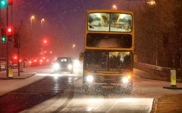 Red weather alert extended nationwide with 40cm of snow forecast