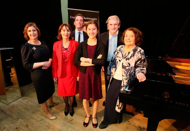 Ursula Uí Chuinneagáin, Josepha Madigan, the Minister for Culture, Heritage and the Gaeltacht, Luke Ó Cuinneagáin who sponsored the bursary, Defne Gultoprak and conductor Barry Douglas. Photo: Mark Stedman
