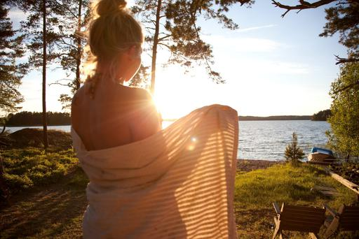 How do you say 'world's happiest country' in Finnish?