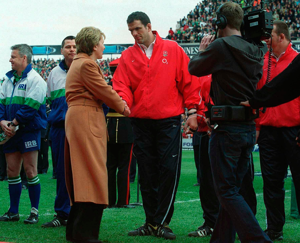 Mary McAleese shakes hands with Martin Johnson in the controversial incident where the England captain refused to adhere to protocol and stand to the left with his team-mates in 2003. Photo: Brendan Moran/Sportsfile