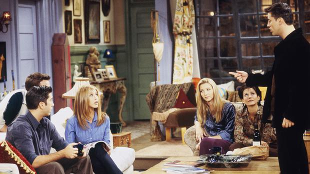 (l-r) David Schwimmer as Ross Geller, Jennifer Aniston as Rachel Green, Lisa Kudrow as Phoebe Buffay, Courteney Cox as Monica Geller, Matt LeBlanc as Joey Tribbiani (Photo by Gary Null/NBC/NBCU Photo Bank via Getty Images)