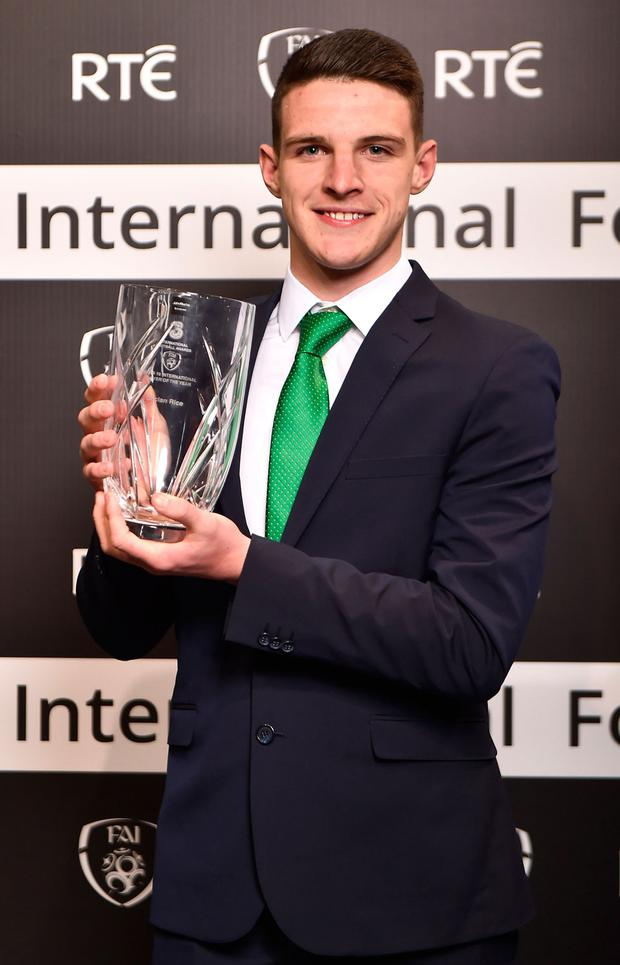 Declan Rice with his U-19 International Player of the Year award. Photo Seb Daly/Sportsfile
