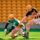 Offaly full-back Sean Gardiner tries to prevent Kilkenny's Richie Reid from scoring a goal in yesterday's Allianz League hurling quarter-final in Tullamore. Photo: Matt Browne/Sportsfile