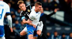 Argentina's Lucas Biglia battles with Italy's midfielder Marco Verratti at the Etihad Stadium last night. Photo: Oli Scarff / AFP / Getty Images