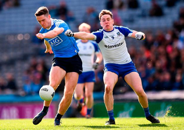 Dublin's Brian Fenton feels the pressure from Niall Kearns. Photo: Stephen McCarthy/Sportsfile