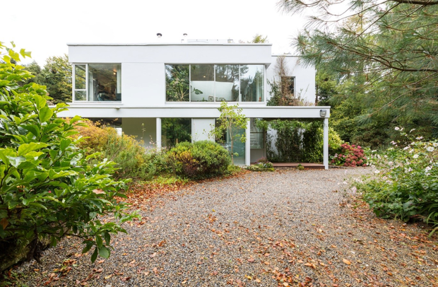 The exterior of Kostas Wootis' home, which is situated in a woods in Co Clare.