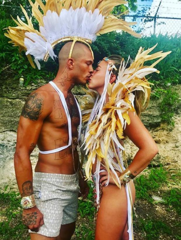 Jeremy Meeks kissing girlfriend Chloe Green. Picture: Instagram