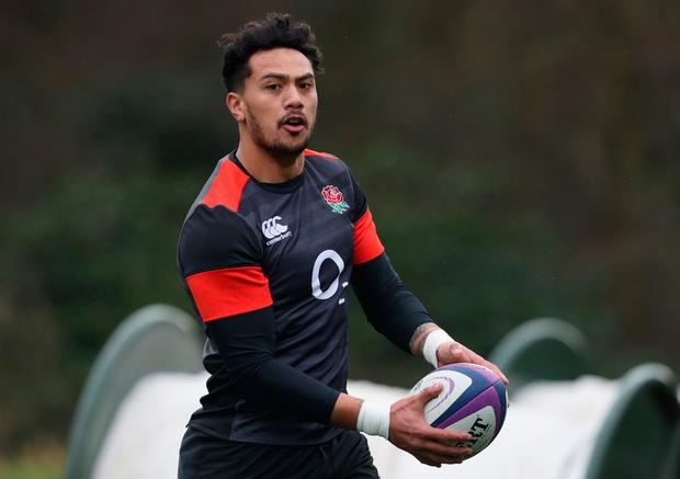BAGSHOT, ENGLAND - FEBRUARY 20: Denny Solomona runs with the ball during the England training session held at Pennyhill Park on February 20, 2018 in Bagshot, England. (Photo by David Rogers/Getty Images)