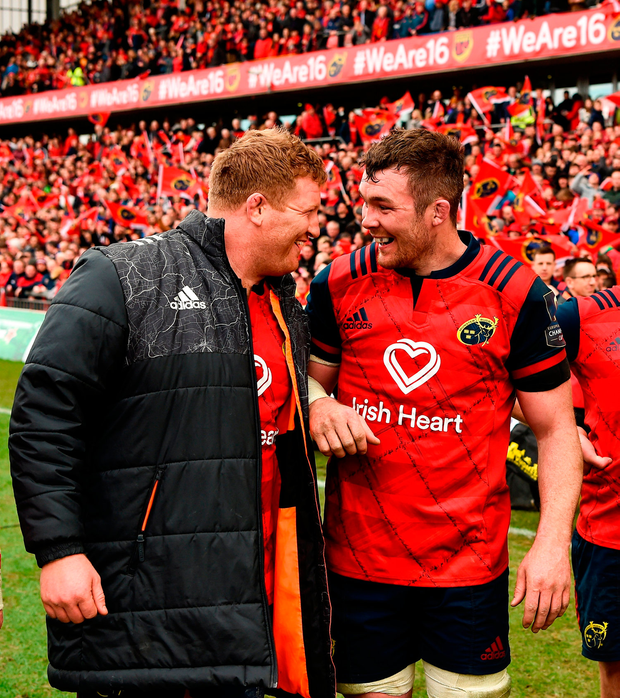 Stephen Archer and Peter O'Mahony of Munster celebrate