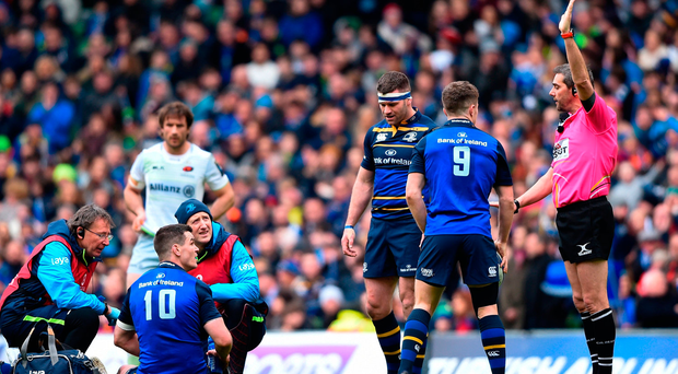 Jonathan Sexton of Leinster appeals to referee Jérome Garcès