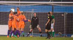 Netherlands players celebrate after Lineth Beerensteyn scored her side's first goal during the 2019 FIFA Women's World Cup Qualifier match between Republic of Ireland and Netherlands at Tallaght Stadium in Tallaght, Dublin. Photo by Stephen McCarthy/Sportsfile