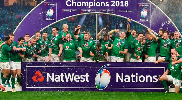 17 March 2018; The Ireland team celebrate after the NatWest Six Nations Rugby Championship match between England and Ireland at Twickenham Stadium in London, England. Photo by Brendan Moran/Sportsfile