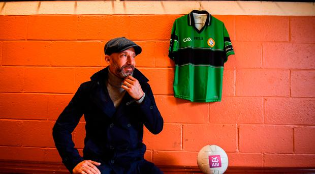 Gianluca Vialli immersed by AIB into the back-room team of Finglas club, Erins Isle. Photo by Stephen McCarthy/Sportsfile