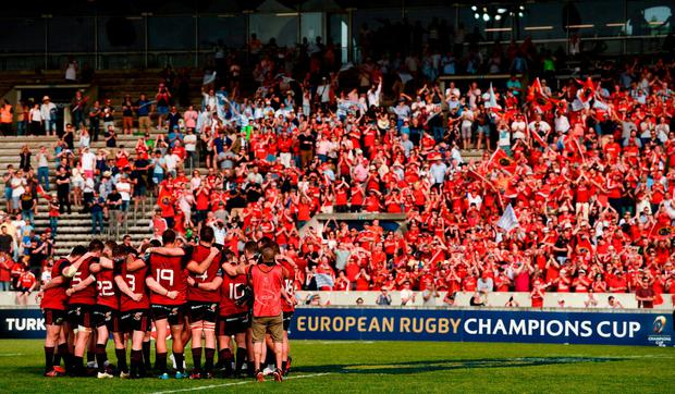 Munster players huddle together after the European Rugby Champions Cup semi-final match between Racing 92 and Munster Rugby at the Stade Chaban-Delmas in Bordeaux, France. Photo by Diarmuid Greene/Sportsfile