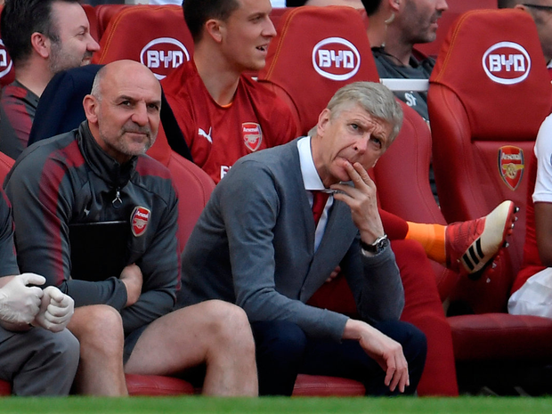 Arsene Wenger and assistant manager Steve Bould on the bench. Photo: REUTERS/Toby Melville