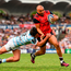 Munster's Simon Zebo beats the tackle of Henry Chavancy to score his try. Photo: Brendan Moran/Sportsfile
