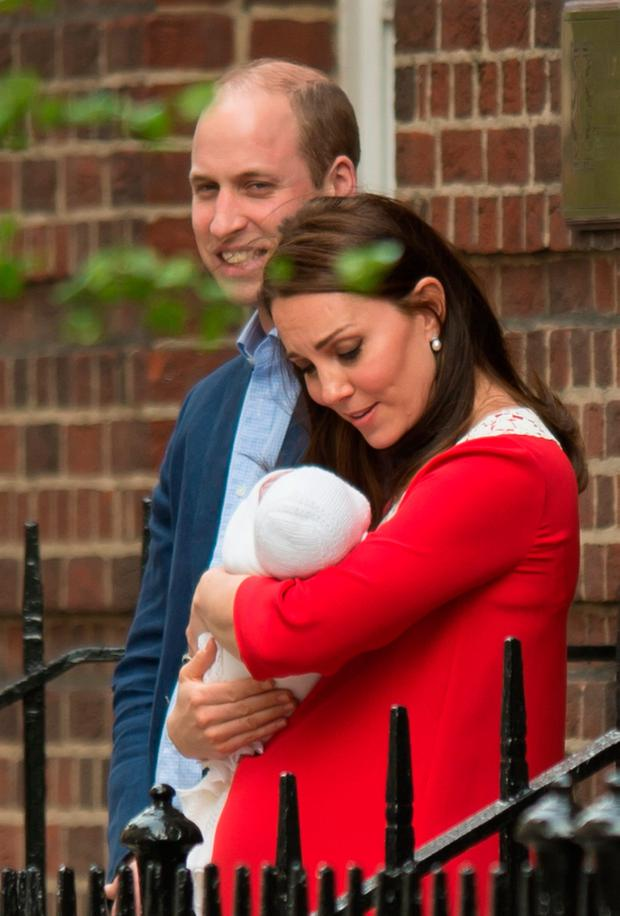 The Duke and Duchess of Cambridge and their newborn son outside the Lindo  Wing at St