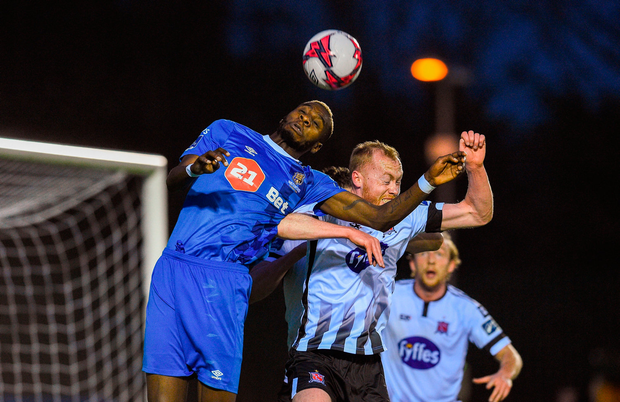 Izzy Akinade of Waterford in action against Chris Shields of Dundalk. Photo by Matt Browne/Sportsfile