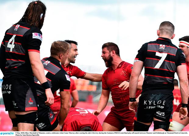 Rhys Marshall of Munster, centre, celebrates with Conor Murray after scoring his side's first try during the Guinness PRO14 semi-final play-off match between Munster and Edinburgh at Thomond Park in Limerick. Photo by Sam Barnes/Sportsfile