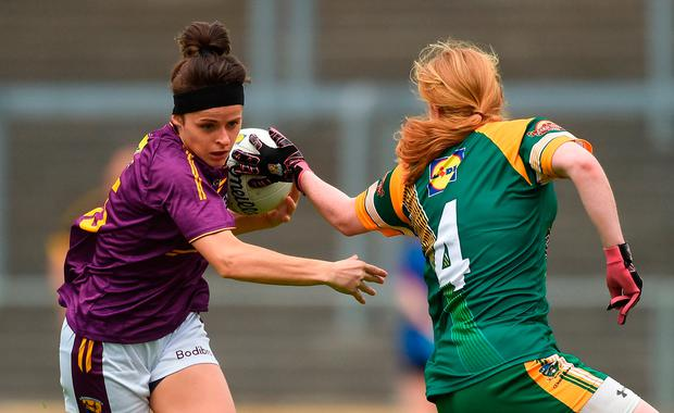 Catriona Murray of Wexford in action against Sarah Powerdly of Meath. Photo: Piaras Ó Mídheach/Sportsfile