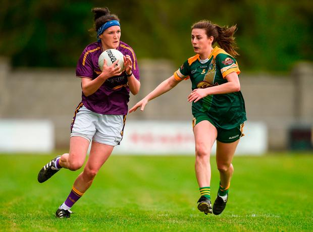 Clara Donnelly of Wexford in action against Emma Troy of Meath. Photo: Piaras Ó Mídheach/Sportsfile