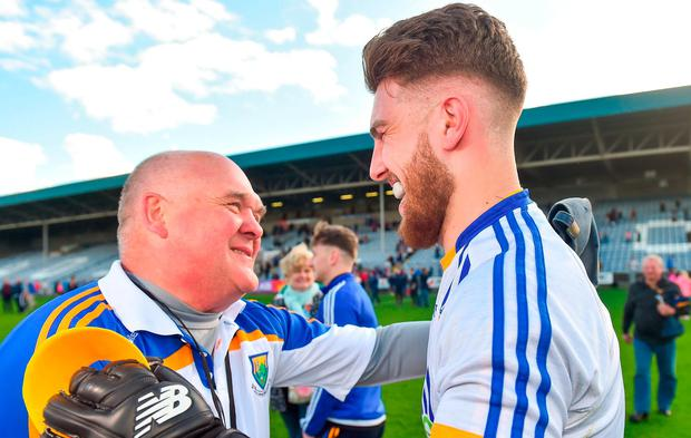 Wicklow manager John Evans congratulates top-scoring goalkeeper Mark Jackson after their victory over Offaly in Leinster SFC at O'Moore Park. Photo: Piaras Ó Mídheach/Sportsfile