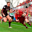 Keith Earls goes over to score a try against Edinburgh in their PRO14 semi-final. Photo by Sam Barnes/Sportsfile