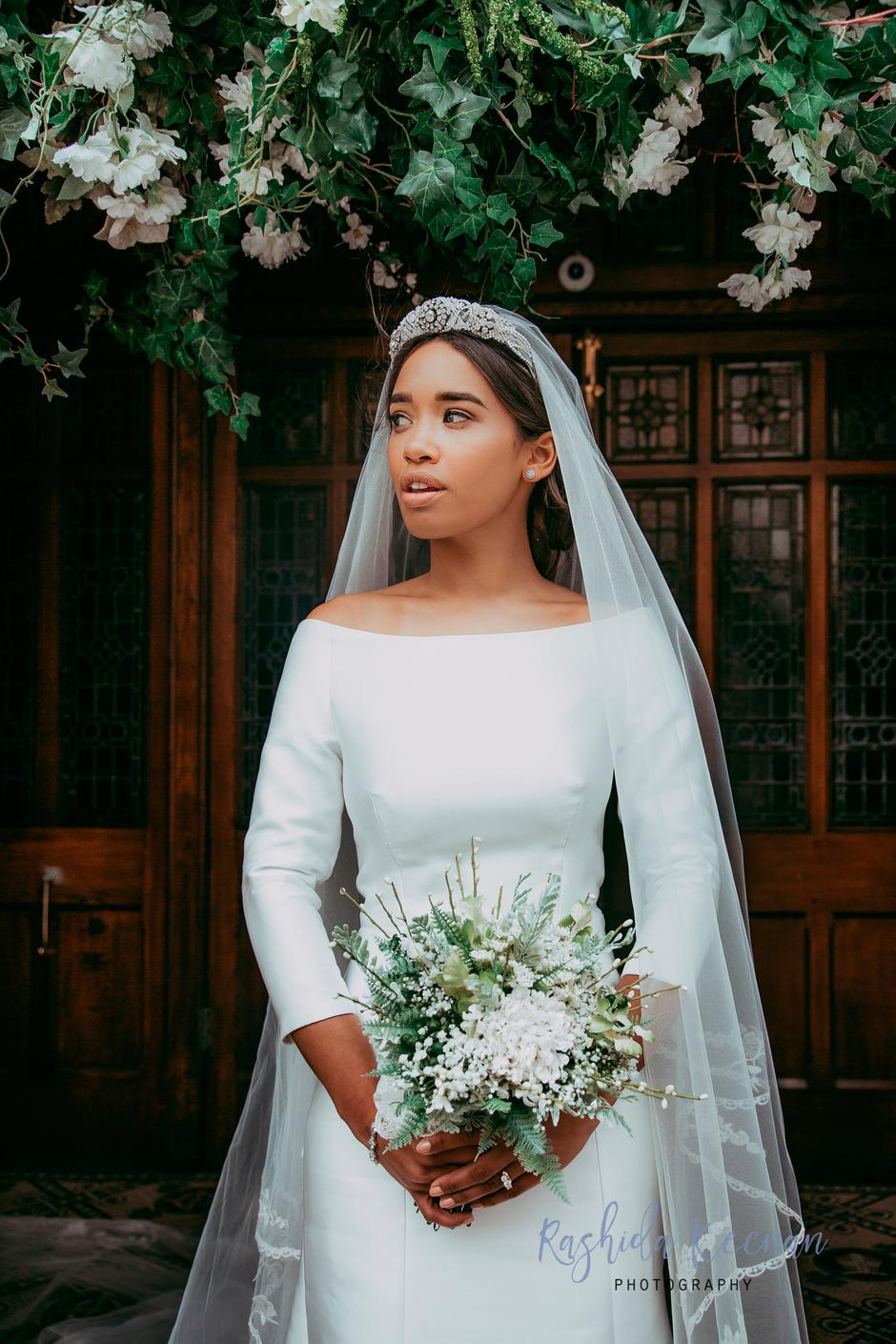 These Irish wedding pros recreated Meghan\'s wedding day looks in ...