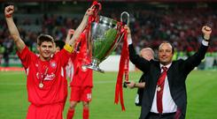 Steven Gerrard and Rafael Benitez lift the Champions League trophy in 2005. Photo by Mike Hewitt/Getty Images