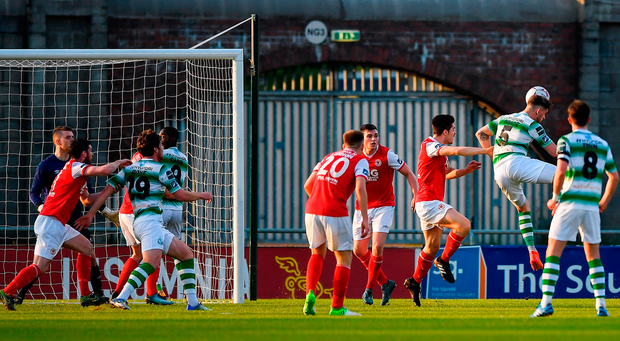 Lee Grace of Shamrock Rovers heads to score his side's first goal. Photo by Seb Daly/Sportsfile