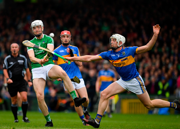 20 May 2018; Kyle Hayes of Limerick in action against Ronan Maher of Tipperary during the Munster GAA Hurling Senior Championship Round 1 match between Limerick and Tipperary at the Gaelic Grounds in Limerick. Photo by Ray McManus/Sportsfile