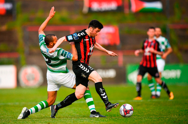 Kevin Devaney of Bohemians in action against Ethan Boyle of Shamrock Rovers. Photo by Stephen McCarthy/Sportsfile