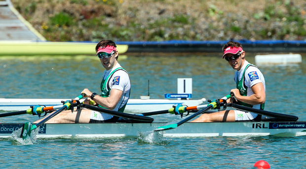 O'Donovan brothers survive late scare to strike gold
