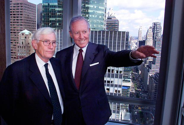 Bill Flynn (right) in New York with then Northern Ireland Deputy First Minister Seamus Mallon in 2000 Photo: Paul Faith/PA Wire
