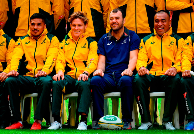 Head coach Michael Cheika with his players at the Australian captain's run in Brisbane yesterday. Photo by Brendan Moran/Sportsfile