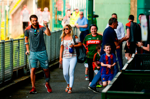 Tom Parsons receives a standing ovation from Mayo supporters at the Gaelic Grounds. Photo by Diarmuid Greene/Sportsfile