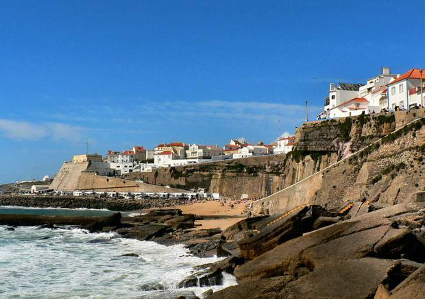 Australian couple die after fall at Portugal beach