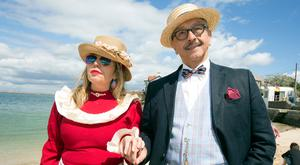 Moreno Maialen, from Spain, and Fabio Alvarado, from Colombia, at the Bloomsday celebrations in Sandycove. Below Carole Ward from Dublin. Pictures: Tony Gavin