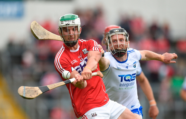 17 June 2018; Shane Kingston of Cork in action against Ian Kenny of Waterford during the Munster GAA Hurling Senior Championship Round 5 match between Waterford and Cork at Semple Stadium in Thurles, Tipperary. Photo by Matt Browne/Sportsfile