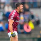 17 June 2018; Damien Comer of Galway issues instructions to a teammate during the Connacht GAA Football Senior Championship Final match between Roscommon and Galway at Dr Hyde Park in Roscommon. Photo by Ramsey Cardy/Sportsfile