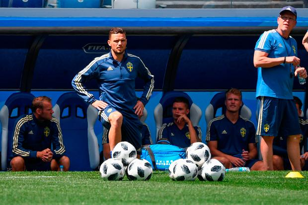 Sweden's forward Marcus Berg and Sweden's coach Janne Andersson attend a training session at the Nizhny Novgorod Stadium. Photo: AFP/Getty Images