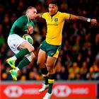 Keith Earls of Ireland catches a high ball ahead of Israel Folau of Australia during the 2018 Mitsubishi Estate Ireland Series 2nd Test match between Australia and Ireland at AAMI Park, in Melbourne, Australia. Photo by Brendan Moran/Sportsfile