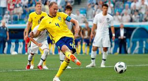 Andreas Granqvist scores for Sweden from the penalty spot. Photo: REUTERS/Murad Sezer